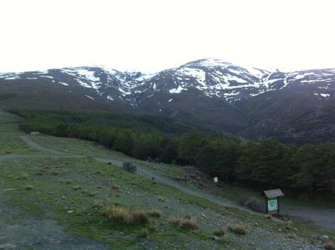 Vista del Picón de Jérez y el Barranco del Alhorí desde el Refugio.