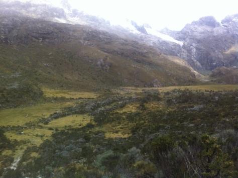 Vista de la pampa desde las primeras rampas de la última cascada, llegando a la laguna 69.