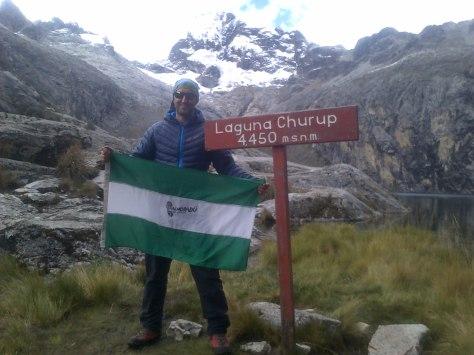 Laguna Churup, al fondo Nevado Churup 5.495 metros.