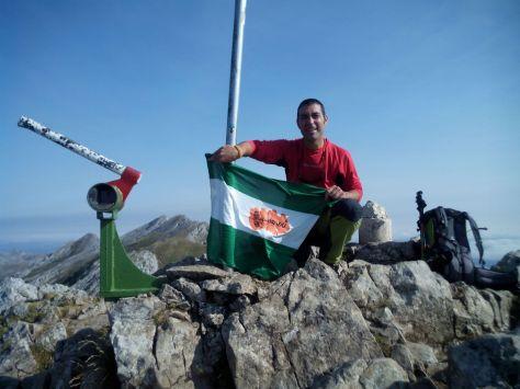 Otra foto en la Cima de Aizkorri (1.528 mts).