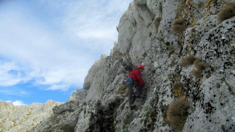 y Lourdes que ya está subiendo el 3º tramo ( un tramo K3 de 90 m ), ....