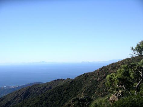 Vistas de la costa de Marruecos y el Rif.