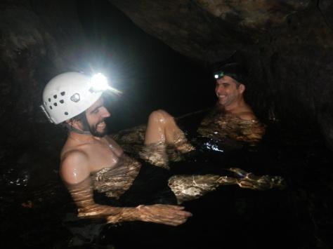 Baño relajante en aguas termales a 120 metros de profundidad.