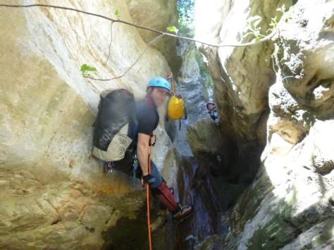 Nuestro Presi, Antonio en una de las cascadas del tramo superior.