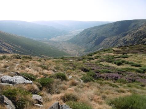 Vista del valle hacia el lago de Sanabria.