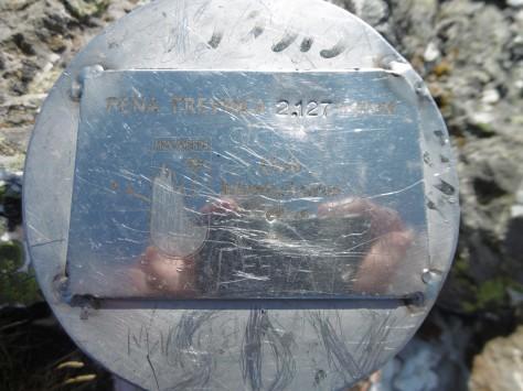 Detalle del buzon puesto por el Club Montañeiros Celtas.